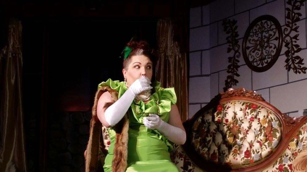 Sybil Seward, played by Jennifer Bowers